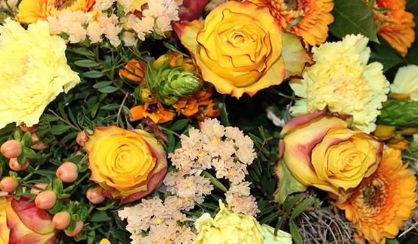 gruber halfing floristik straeusse gelb Floristik